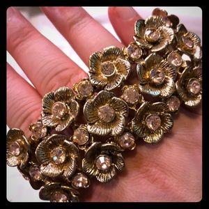 Gold flower elastic bracelet